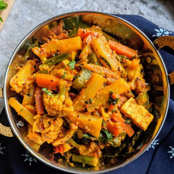 Vegetable-Jalfrezi-Recipe-Step-By-Step-Instructions-scaled (1)